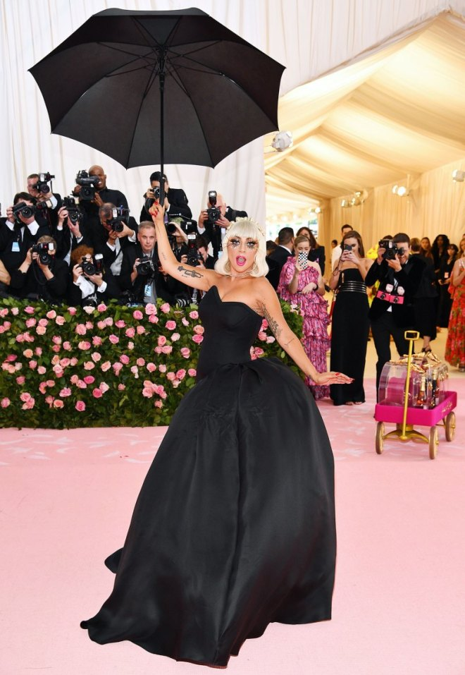 lady gaga black dress